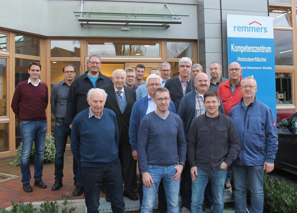 Tischler-Innung Leer besucht Remmers-Gruppe in Löningen am 06.11.19